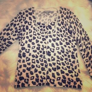 Black and white leopard print cardigan 💋